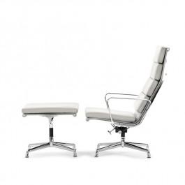 lounge stoel met Hocker EA222