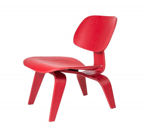 Eames lounge chair LCW red