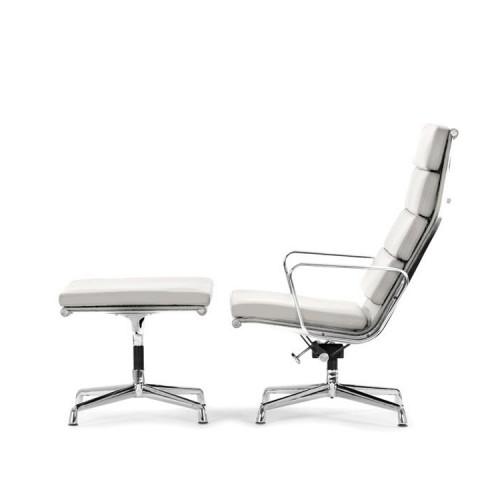 Charles Eames EA222 lounge chair