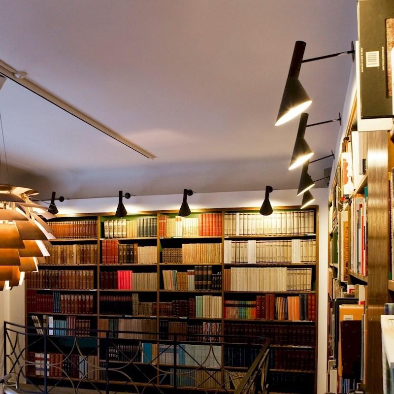 Nytt Jacobsen vegglampe. AJ lampe. Design vegglampe. DE-63